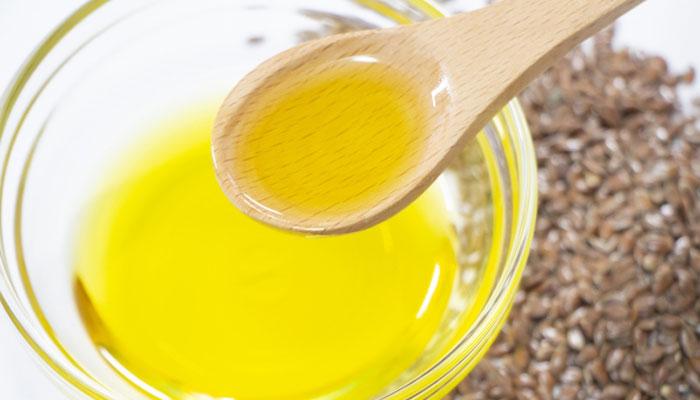 亜麻仁油について詳しく解説しています。